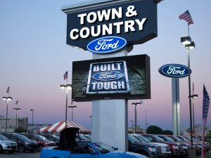 Digital Signs & Message Centers custom lighted led pole pylon sign 300x225